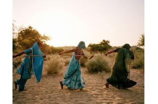 (Mustafah Abdulaziz (USA): Pulling of the well, Tharpakar, Pakistan, 2013)