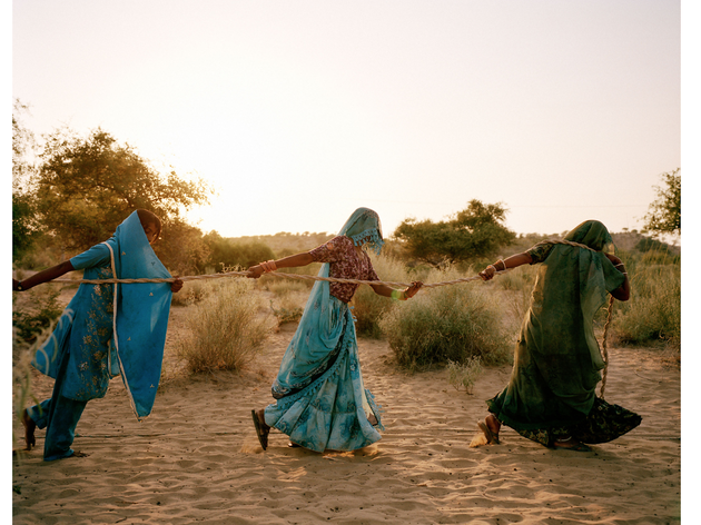 (Mustafah Abdulaziz (USA): Pulling of the well, Tharpakar, Pakistan, 2013)