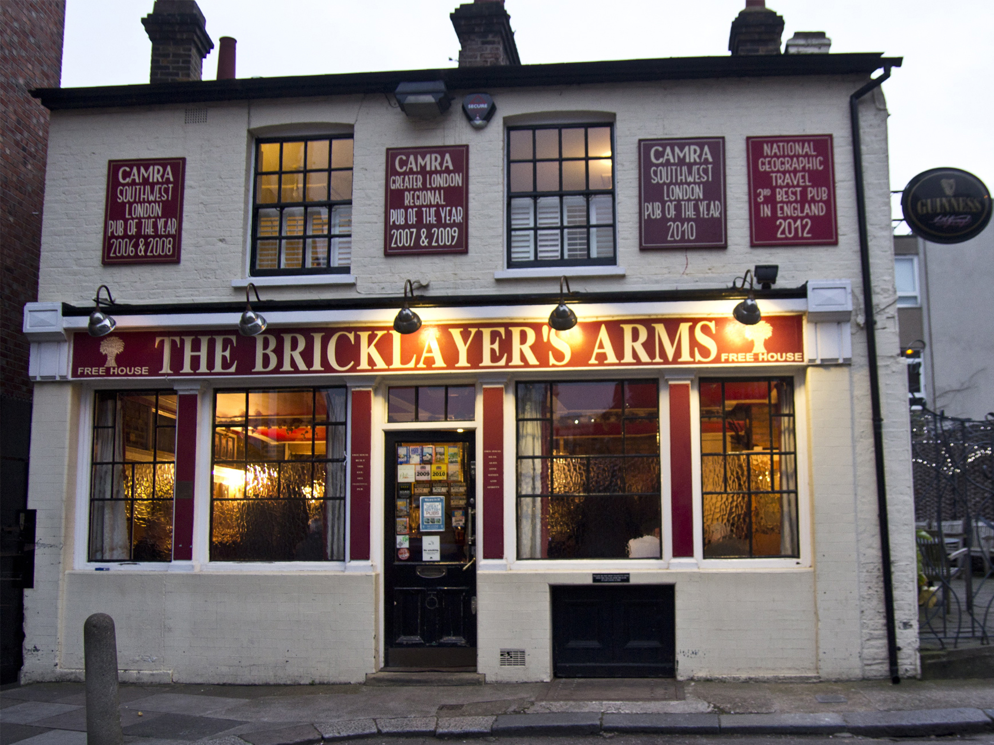 The 100 best bars and pubs in London - Bricklayer's Arms, Putney