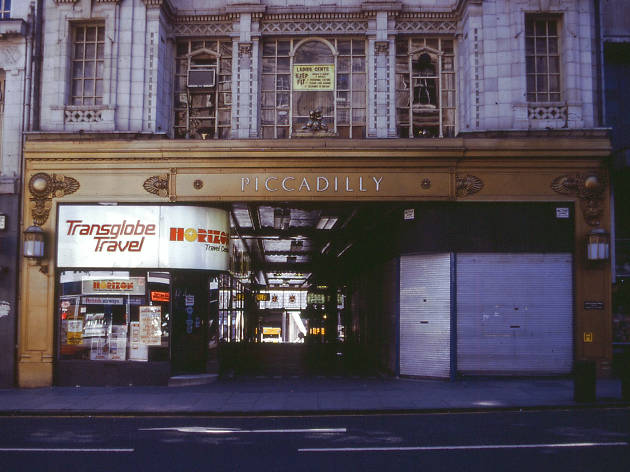 Birmingham in the '80s, Piccadilly Arcade New Street
