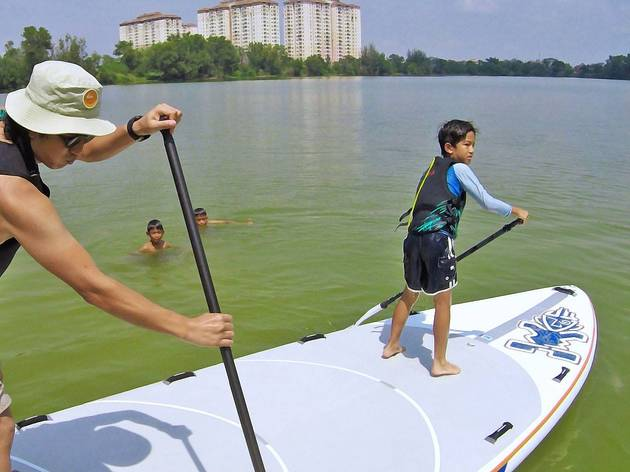 Stand up paddling at Tasik Biru