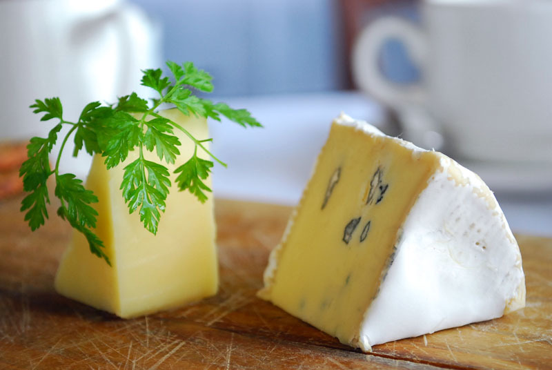 10 sublime cheese shops and bars in Paris