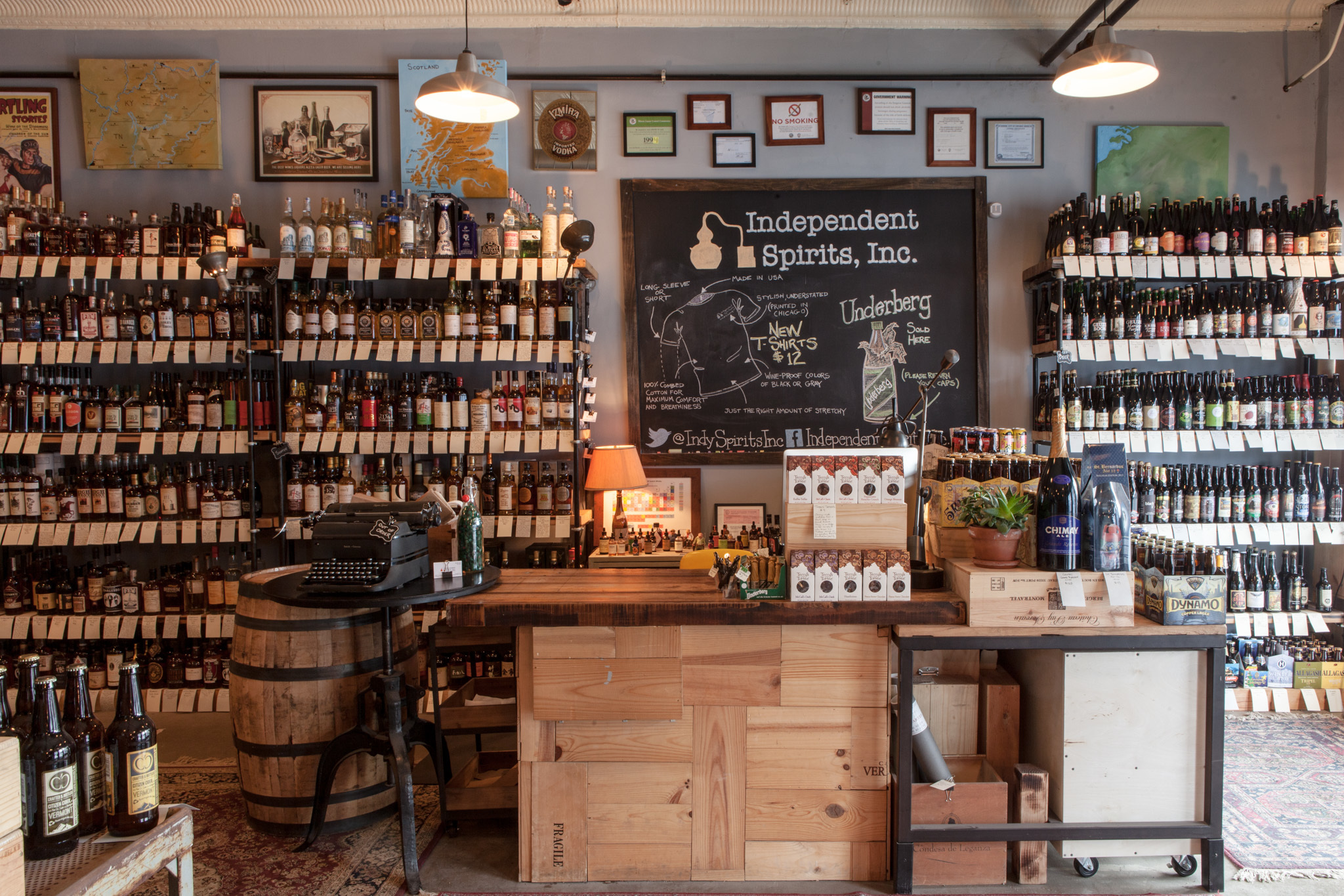 Best liquor stores in chicago for beer wine and spirits for Wine shop decoration