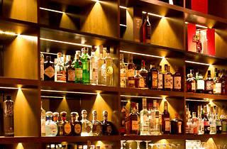 Singapore Cocktail Week: 50 Classics from an Eight-bottle Bar