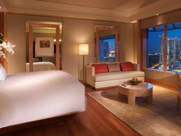 The Ritz-Carlton, Millenia Singapore: Celebrate Singapore, Celebrate You