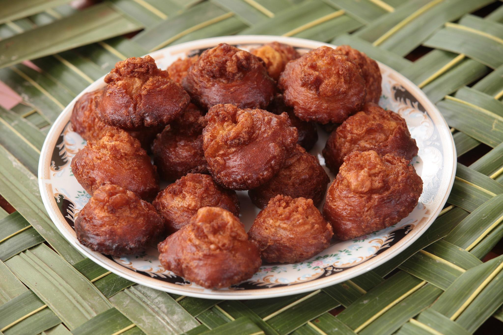 Konda Kavum (oil cake)