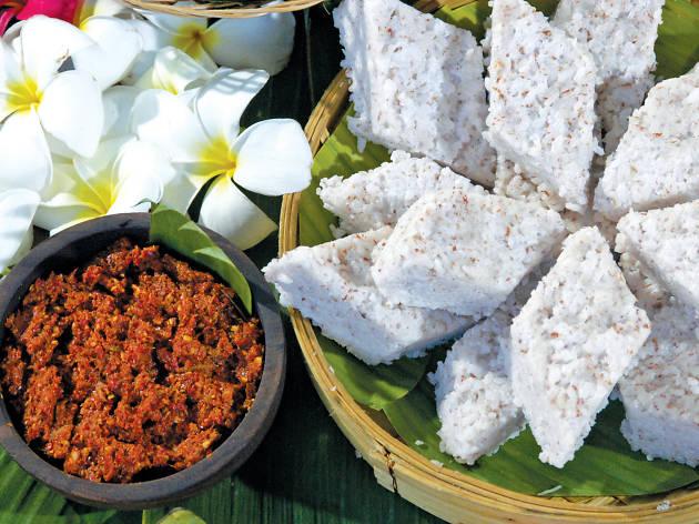 First meal at the Avurudu table (Ahara anubawaya)