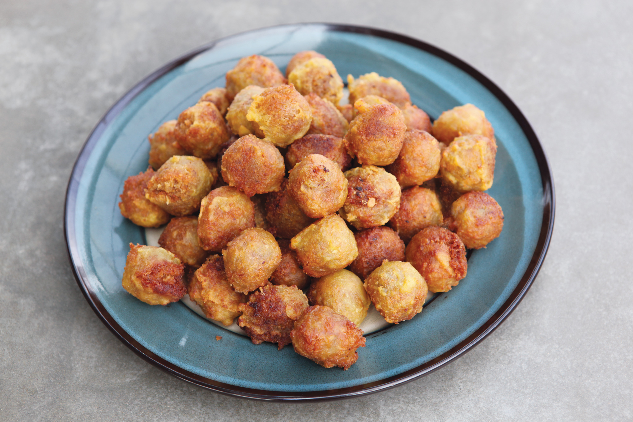 Kavum is a sweetmeat in Sri Lanka