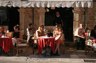 Festival cafe