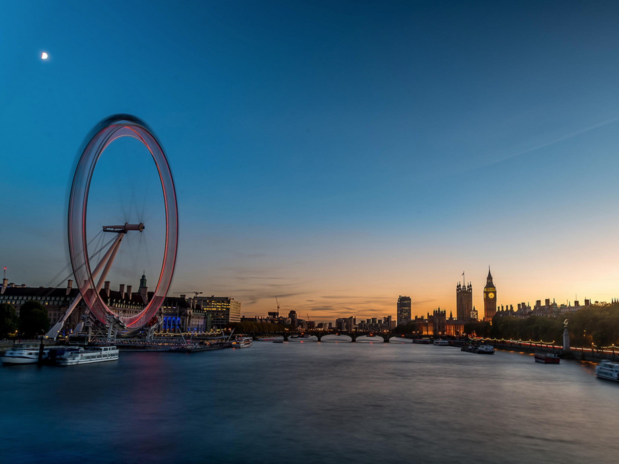 Thames view of London Eye