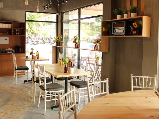 Best café: Yellow Brick Road