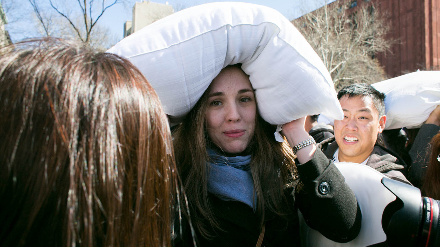 Everything you need to know to survive the NYC Pillow Fight (2014)