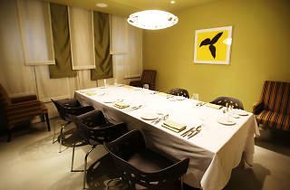Elbon The Table
