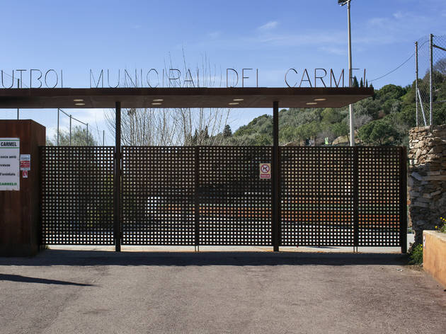(Camp municipal de Futbol Carmel)