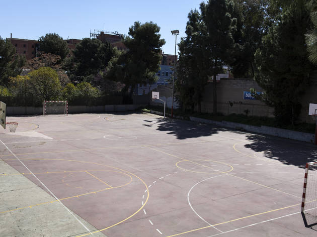 (Pista Poliesportiva Municipal Montbau)