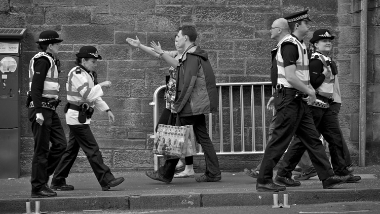 police street hug