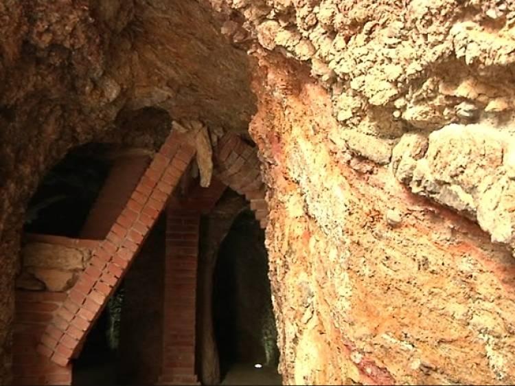 Les grutes de Jujol