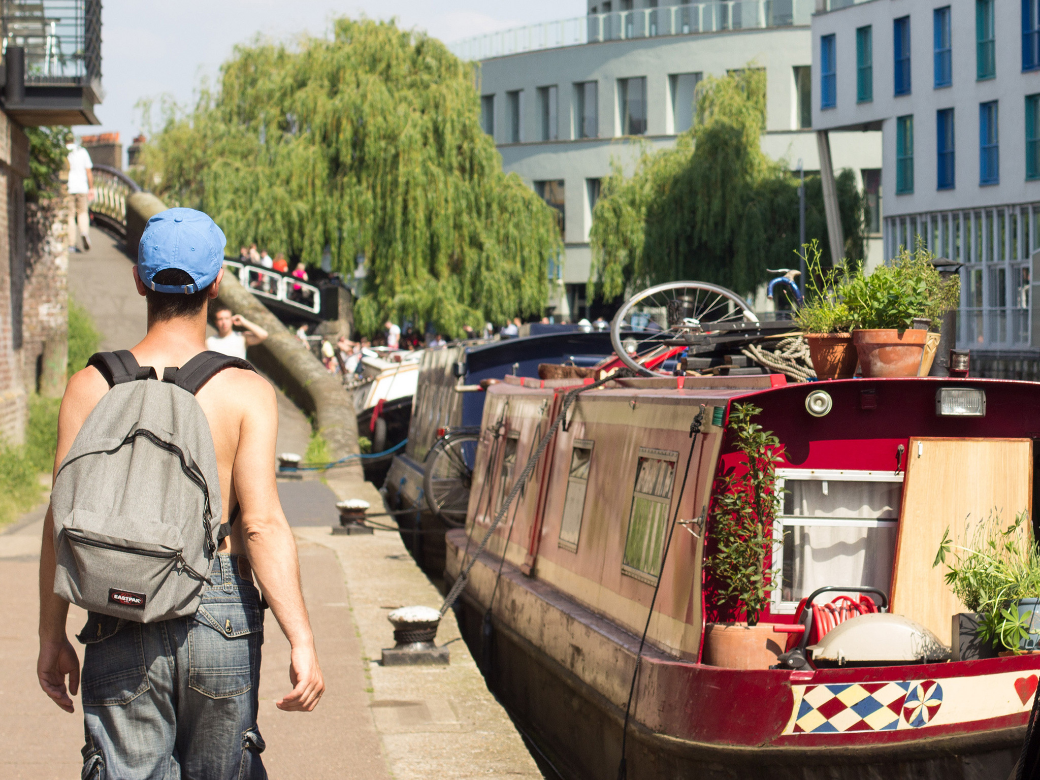 Sunny day on the canal