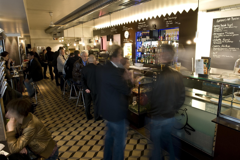 Adriano's Café Bar • Bern