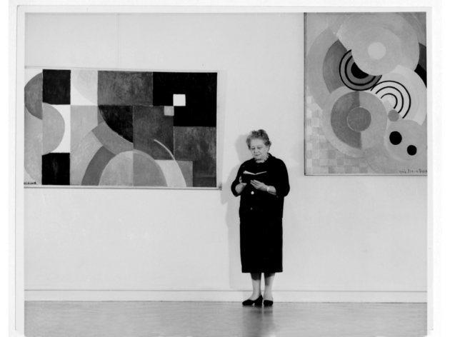 (Sonia Delaunay at the retrospective organised by Städtisches Kunsthaus, Bielefeld, Germany 1958 Bibliothèque Nationale de France, Paris. Gift of the artist, 1977)