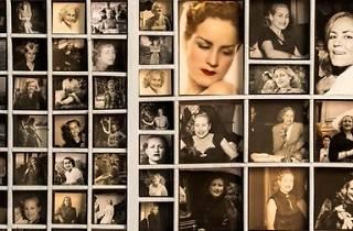 'Una vida', fotografías de mujer anónima encontradas en el rastro de Madrid