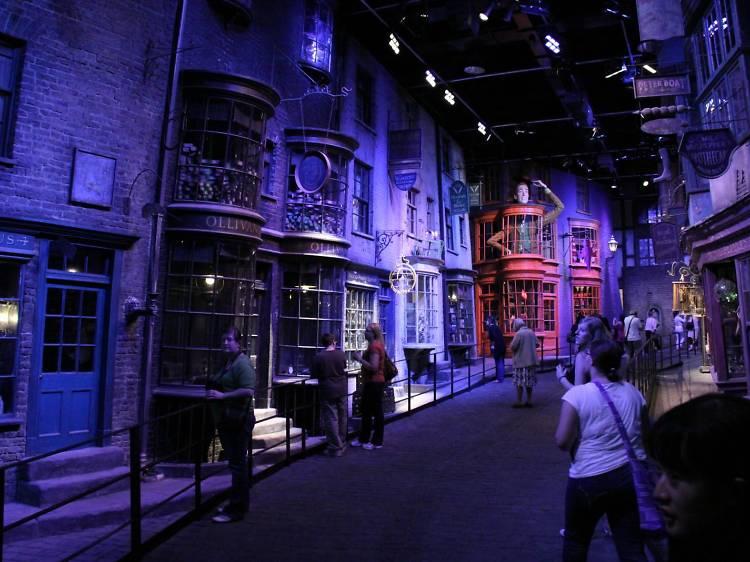 Visit Hogwarts at the Harry Potter Studio Tour