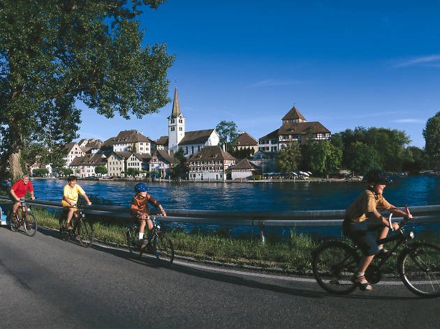 Take an E-bike tour around Lake Lucerne