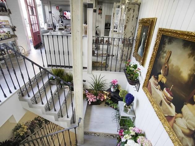 Salon des Fleurs: flores + salón de té