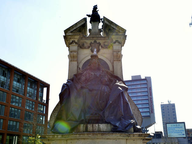 Queen Victoria at Piccadilly Gardens
