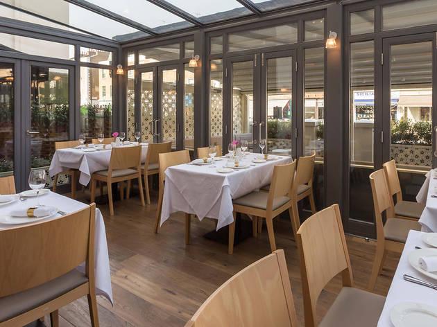Yasmeen Restaurant & Cafe
