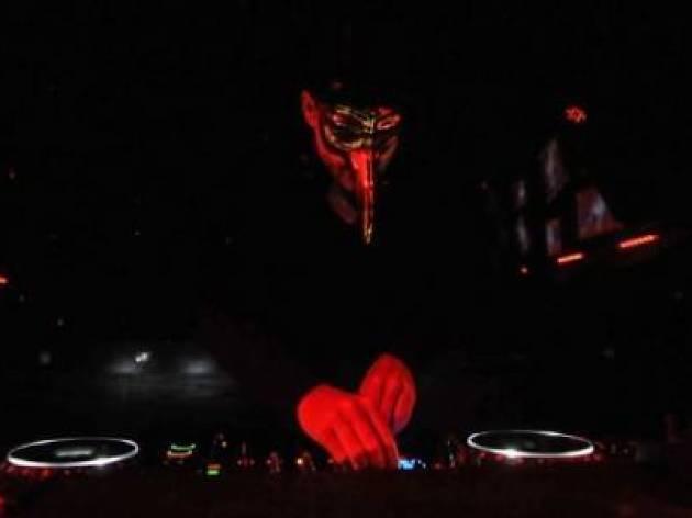 Claptone DJ + Playless