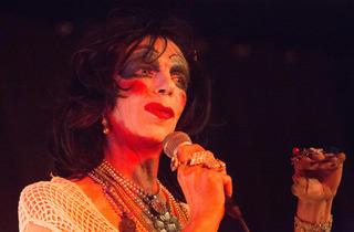 David Hoyle: Težave s spolom / Gender Trouble, kabaret / cabaret, Klub Gromka, 12.10.2013, Mesto žensk / City of Women 2013, dark behaviour