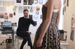 Moritz Feed Dog: Dior and I