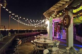 Alfredo's Beach Club