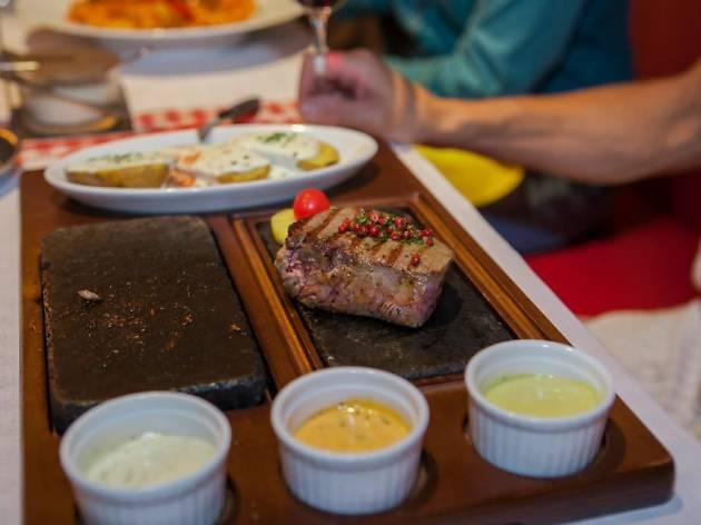 Rolli's Steakhouse