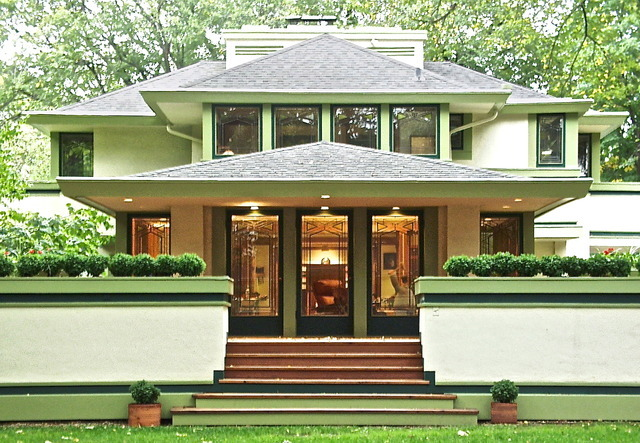 Check out the 7 frank lloyd wright homes for sale in the for Chicago house for sale