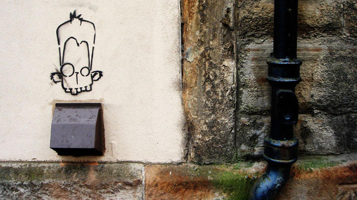 edinburgh street art goofy stencil