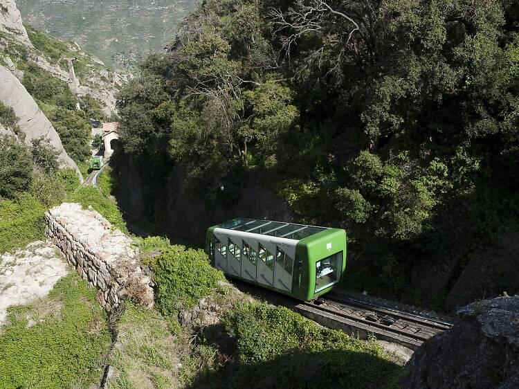 El funicular de Sant Joan: las mejores vistas de Montserrat