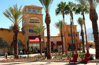 desert hills outlet mall, road trip