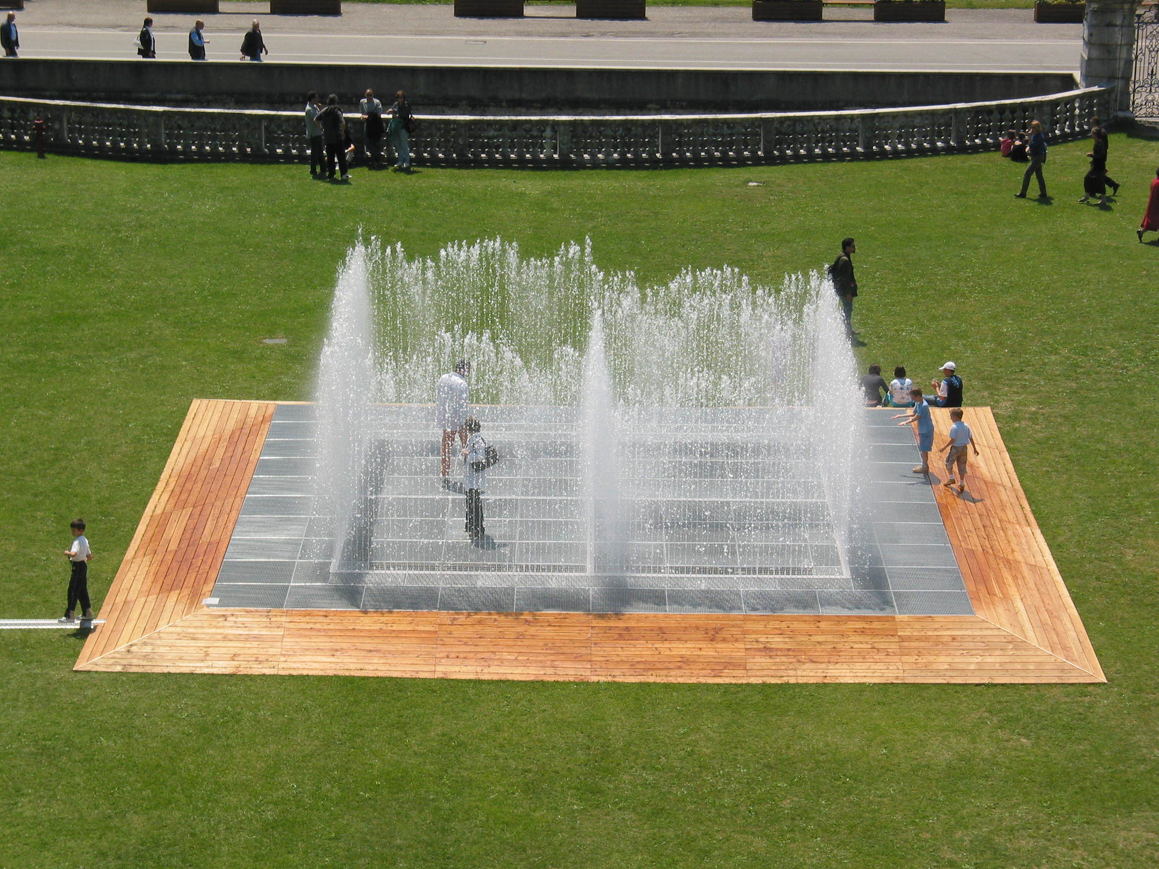 "Jeppe Hein, ""Please Touch the Art"""