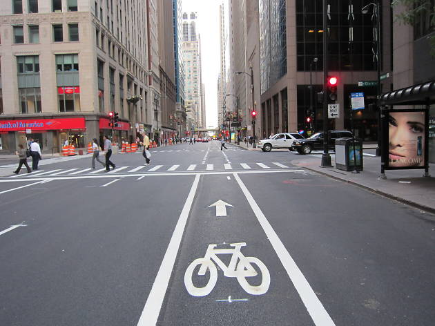 Things to know about riding in Chicago's bike lanes