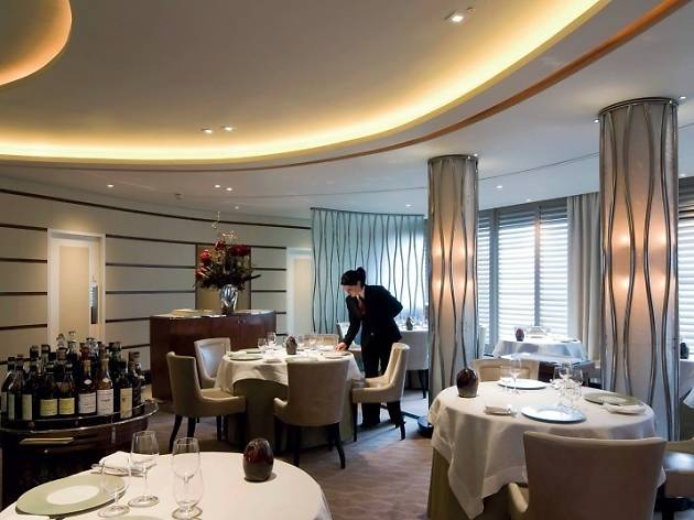 Michelin star restaurants in London - Petrus