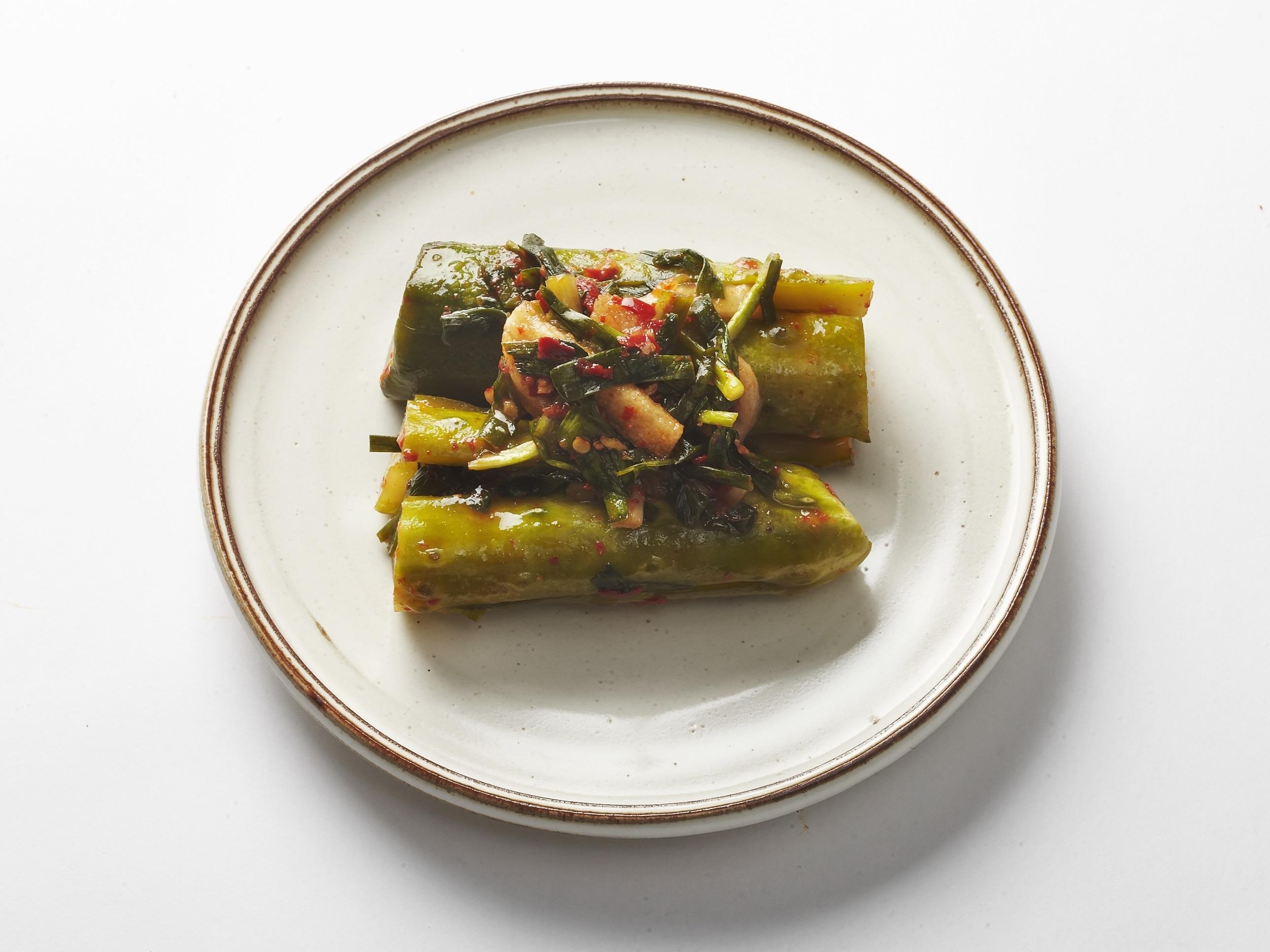 Cucumber kimchi by Jingogae