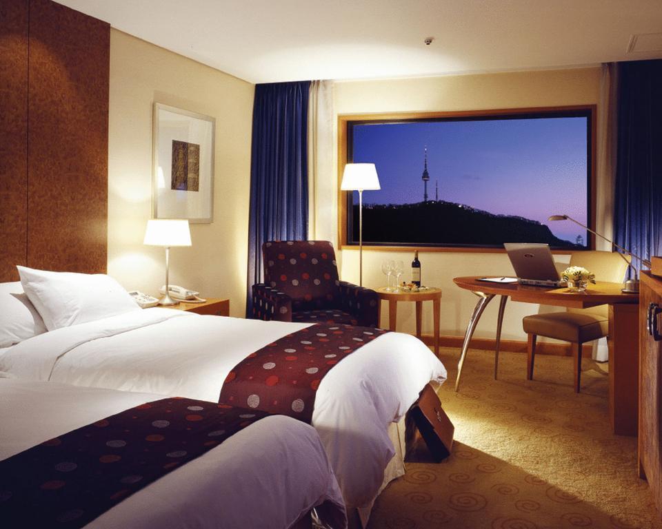 Grand Ambassador Hotel