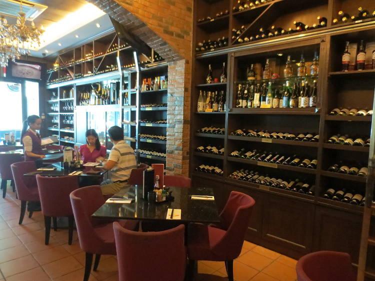 Vino Vino Bar and Restaurant