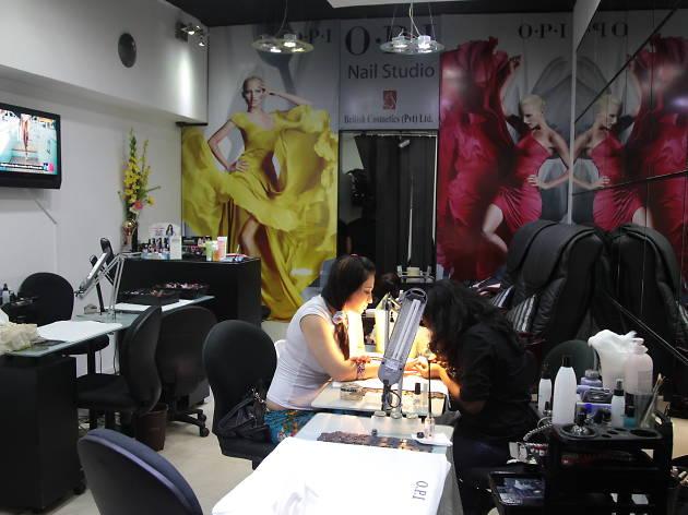 British Cosmetics is a salon in Colombo, Sri Lanka