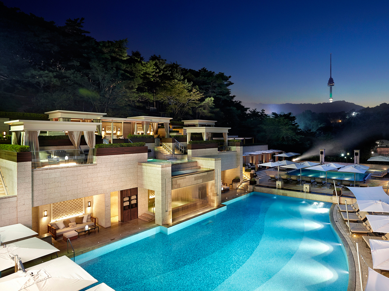 shilla hotel swimming pool