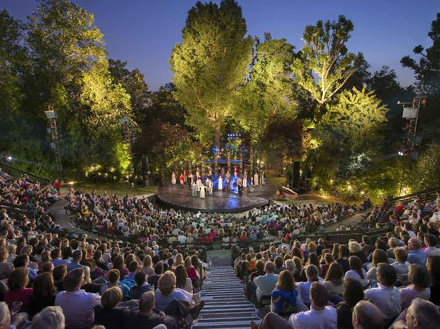 Outdoor theatre in London