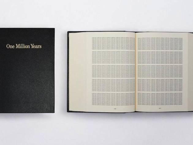 (On Kawara, 'One Million Years', 1999 / 60 exemplaires numérotés et signés, 500 numérotés et 10 épreuves d'artiste / Editions Micheline Szwajcer et Michèle Didier / 2 400 €)