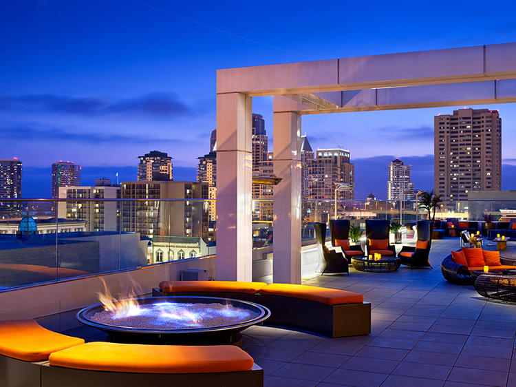 Check out the 24 best rooftop bars in America